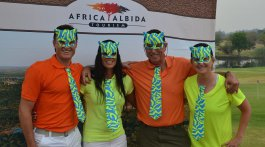 Best dressed winners The Cats left to right - Bruce Woest Nina Geyser  Richard Thornycroft and Sarah Blythe-Wood  (2)