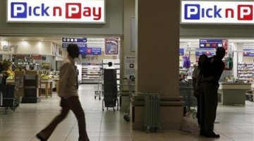 Entrance to Pick'n Pay