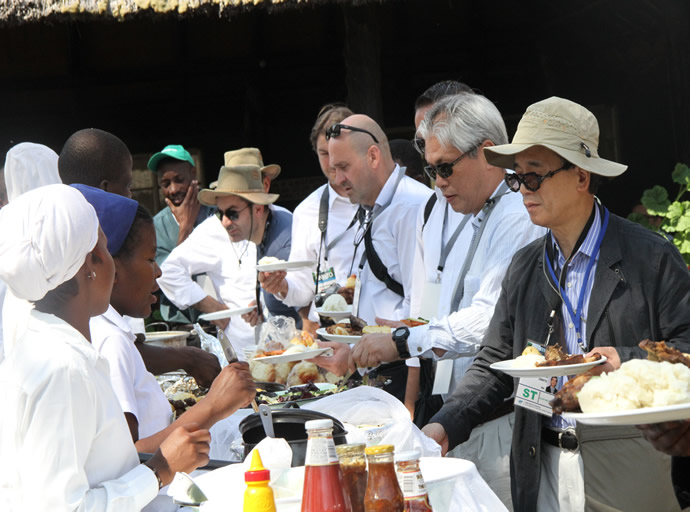 UNWTO delegates being served lunch at Hwange National Park