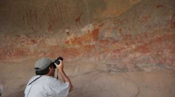 Garth is taking pictures of Matobo Hills