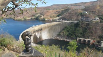 Kariba Dam and Nyaminyami sculpture
