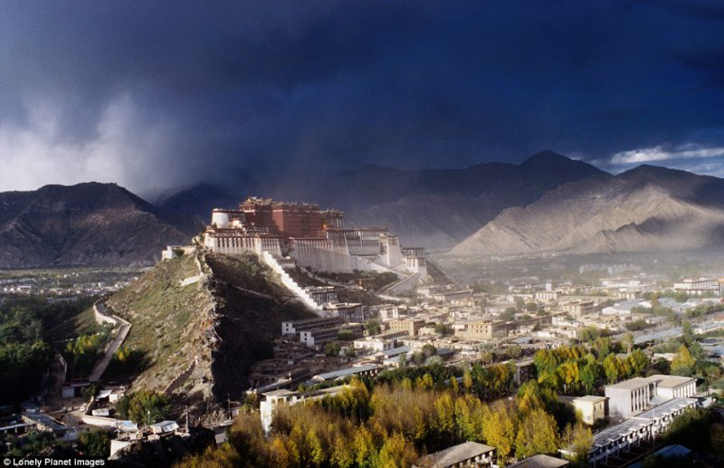 Potala Palace, Tibet: An architectural wonder and the spiritual home of the Dalai Lama, the world¿s highest palace - at 3,700m above sea level - rises 13 storeys, and contains more than 100 rooms