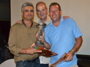 vapu-winners-sanjay-babbar-left-and-tom-austin-right-receive-their-trophy-and-prizes-from-aat-chief-executive-ross-kennedy